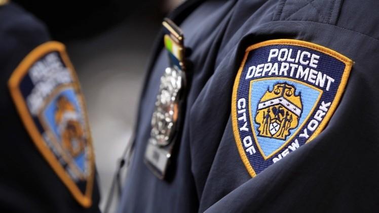 Video: Un policía de paisano pega a un joven afroamericano al ser detenido en Nueva York