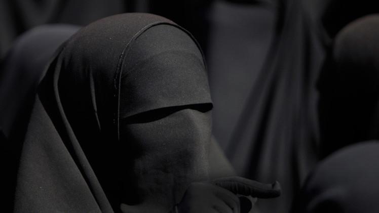 El Estado Islámico persuade a adolescentes para que se casen con yihadistas en Siria