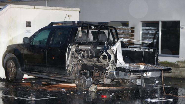 Suecia: Explotan dos coches bomba