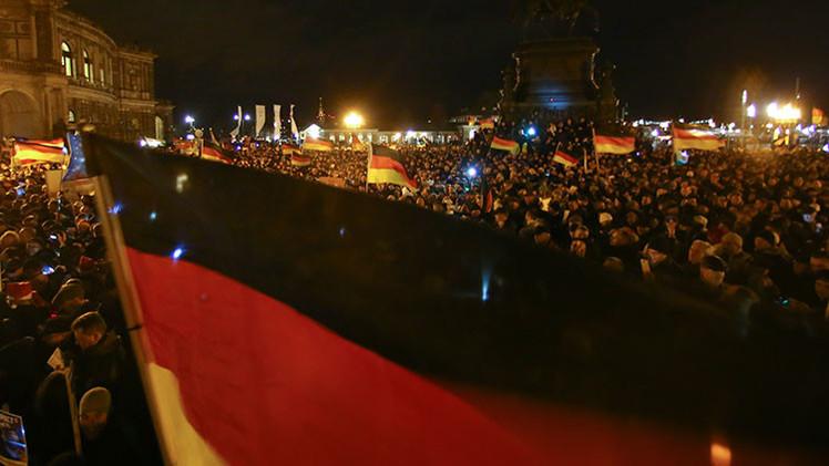 Multitudinaria marcha en Dresde contra la islamización