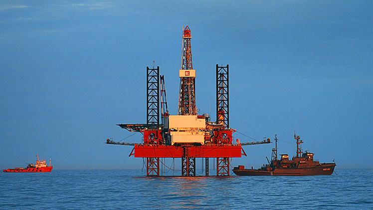 """¡Olviden las armas nucleares!: """"El petróleo se ha convertido en el arma más potente del mundo"""""""