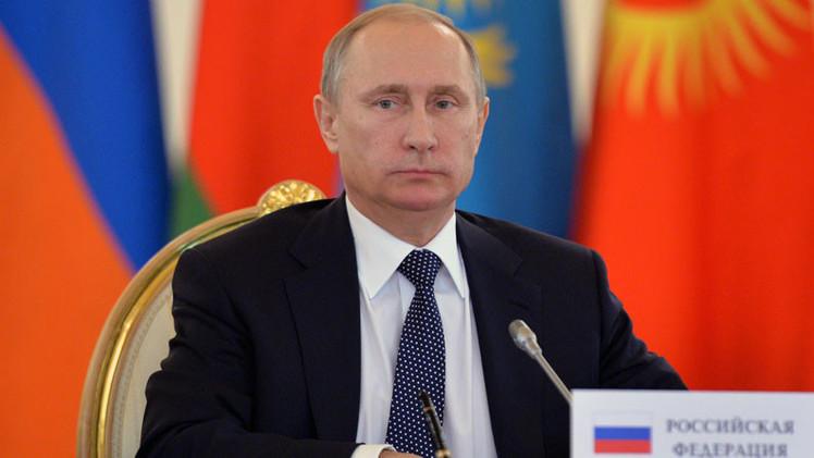 Historiadora francesa: Putin busca mantener el equilibrio entre Oriente y Occidente