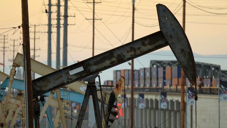 """Economista: """"Compañías petroleras estadounidenses, prepárense para quebrar"""""""