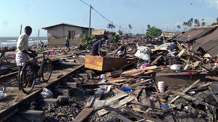 """Superviviente del tsunami de 2004 en Indonesia: """"Parecíamos banderitas ondeando bajo el agua"""""""