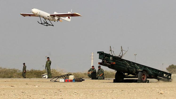 Irán prueba su 'dron suicida' en el golfo Pérsico