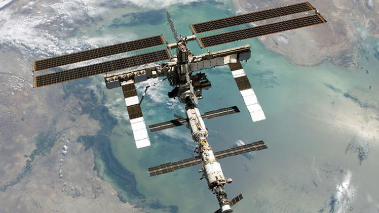 Video: Papá Noel felicita a los cosmonautas de la EEI