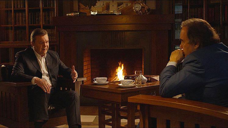 """Oliver Stone: En los francotiradores de Maidán se ven """"las huellas"""" de la CIA"""