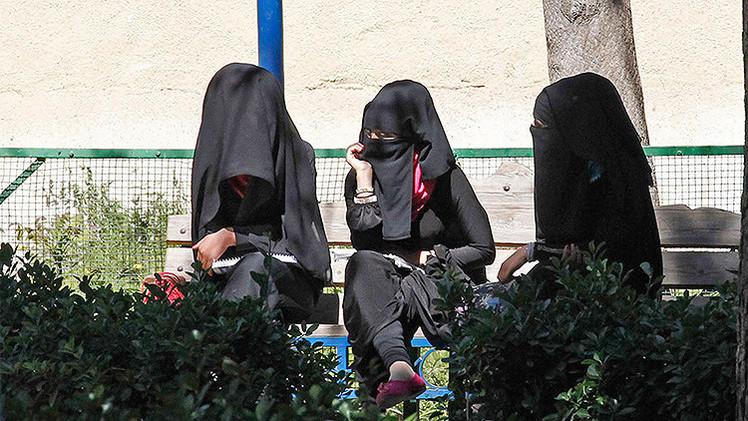Publican un manual para madres yihadistas sobre cómo educar a los futuros terroristas