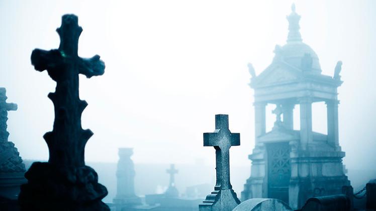 Una iglesia británica exhuma restos del siglo XIX para construir una mansión