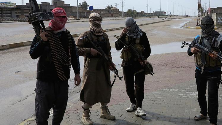 Los terroristas escapan de Salah al-Din vestidos de mujer