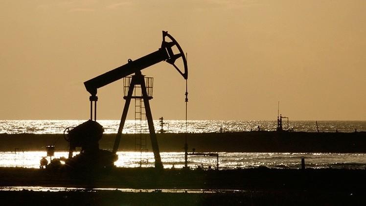 """Irán: Arabia Saudita está cometiendo un """"grave error"""" con su política petrolera"""