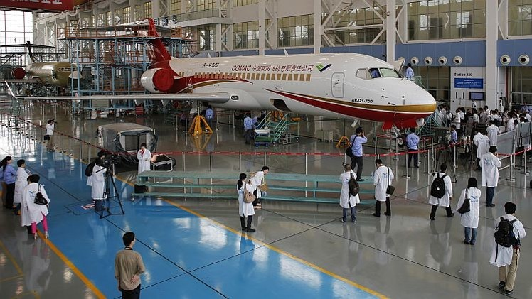 China da luz verde a su primer avión comercial