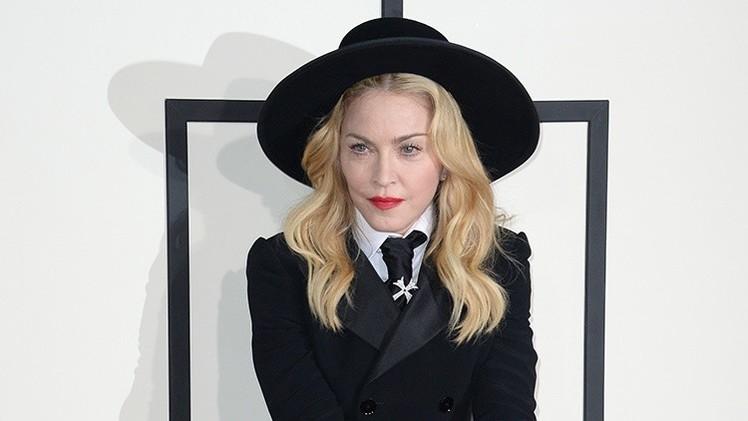 Indignación con Madonna por hacer montajes fotográficos de Luther King, Mandela y Marley