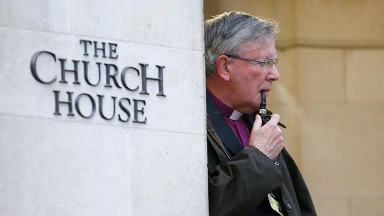 Polémica interna: la Iglesia de Inglaterra debate la 'legalización' del suicidio
