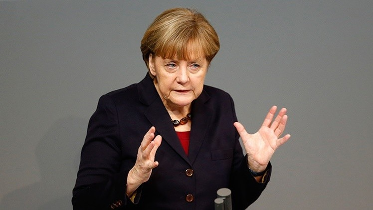 'Der Spiegel': Merkel 'se retira' y acepta la salida de Grecia de la zona euro