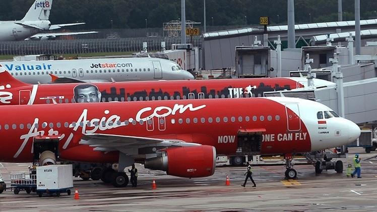 El motor de un avión de AirAsia deja de funcionar momentos antes de un despegue