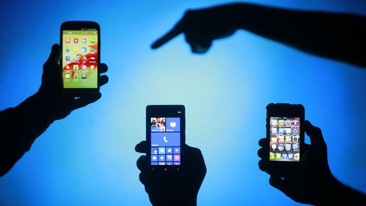 Profesora: Jóvenes hoy en día son una generación perdida que no puede ni manejar sus móviles