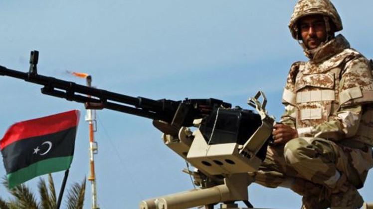 El ataque de un avión de combate libio a un petrolero griego deja dos muertos