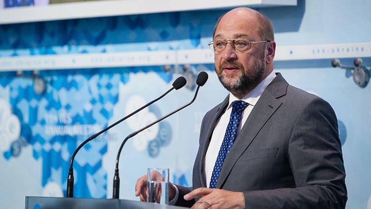 El presidente del Parlamento Europeo critica que Merkel insinuara que Grecia saldrá del euro