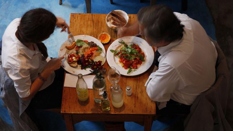 ¿Comer 3 veces al día no es necesario? Revelan trasfondo de nuestra ingesta de alimentos