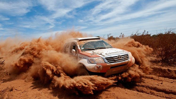 VIDEO, FOTO: Los dos autos más curiosos del Dakar 2015