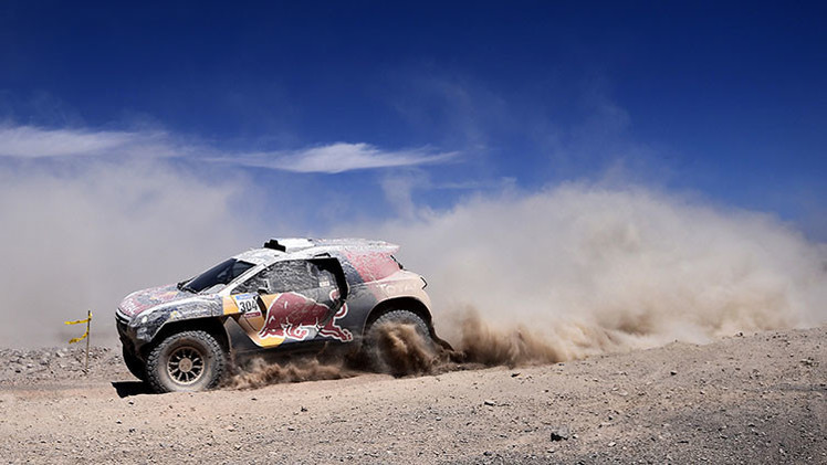 Quinta etapa del Dakar 2015: los rusos lideran en coches y camiones, Carlos Sainz se retira