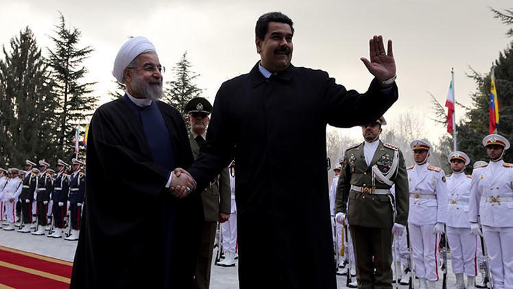 Venezuela e Irán cooperan para estabilizar los precios del crudo