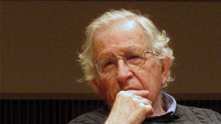 """Chomsky: """"Latinoamérica avanza de la sumisión a EE.UU. al liderazgo mundial"""""""