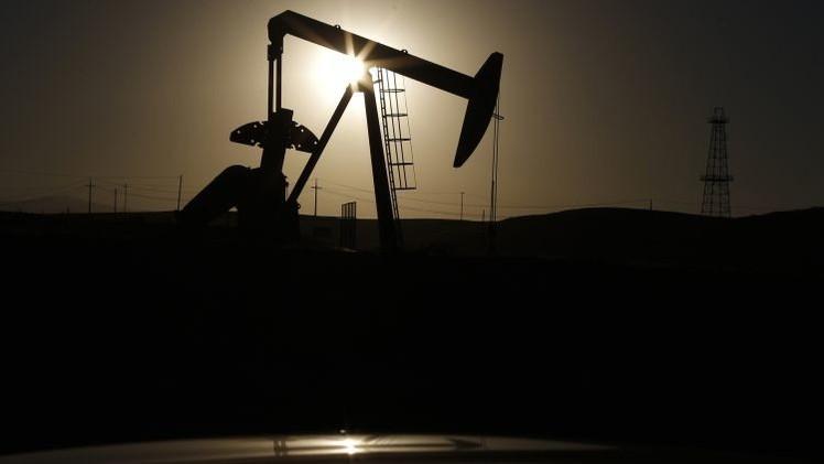 El precio de crudo cae a mínimos de 2009