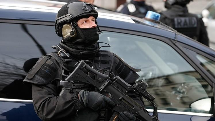 Francia: Un hombre amenaza con explotar su casa en la ciudad de Sète