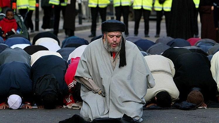 Uno de los atacantes de 'Charlie Hebdo' fue guiado por el entorno del clérigo Abu Hamza