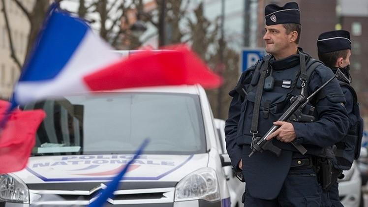 Policía francesa: puede haber hasta 6 terroristas involucrados en los ataques de Paris