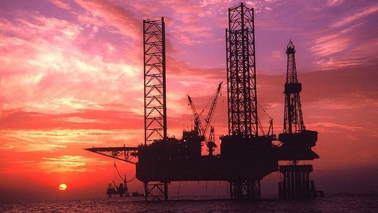 Exalto cargo del FMI: El precio del petróleo volverá a los 100 dólares por barril