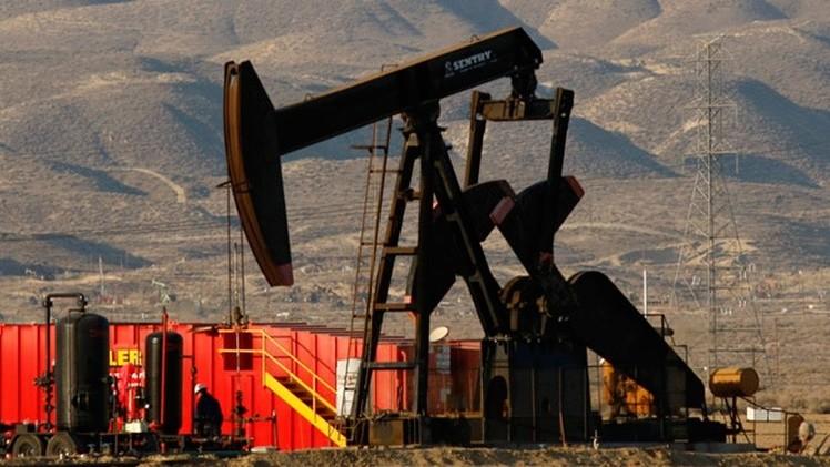 """""""El bajo precio del petróleo abre una ventana de oportunidades para China y la India"""""""