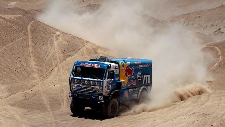 Etapa 9 del Dakar 2015: Otro triunfo de los Kamaz rusos y primera victoria de Nani Roma