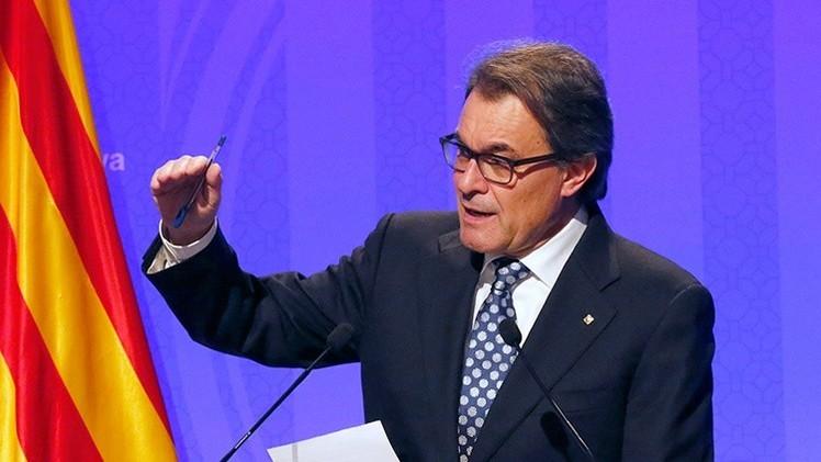 Artur Mas convoca elecciones en Cataluña para 2015