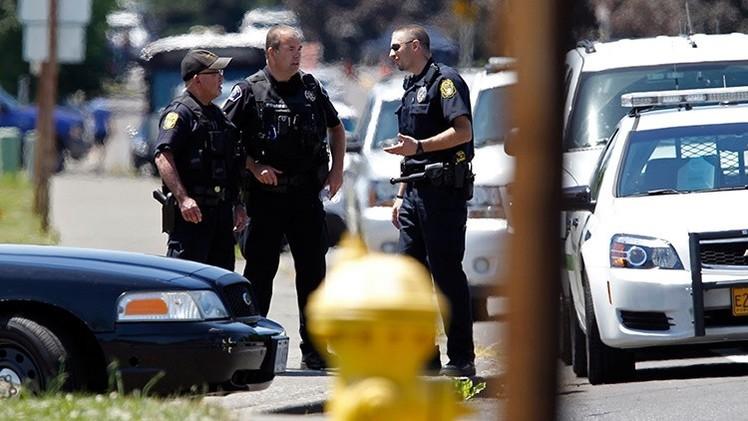 EE.UU.: Un jurado justifica a policía que mató a disparos a un hombre desarmado