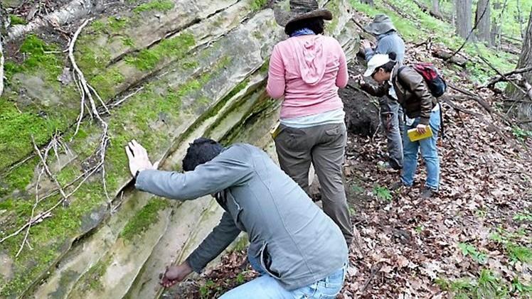 Hallan un mineral raro en un cráter en Wisconsin