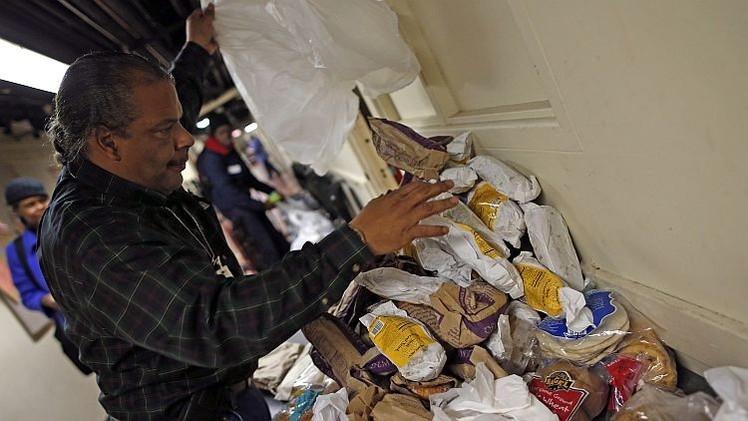 EE.UU. privará a los más pobres de los cupones de alimentación