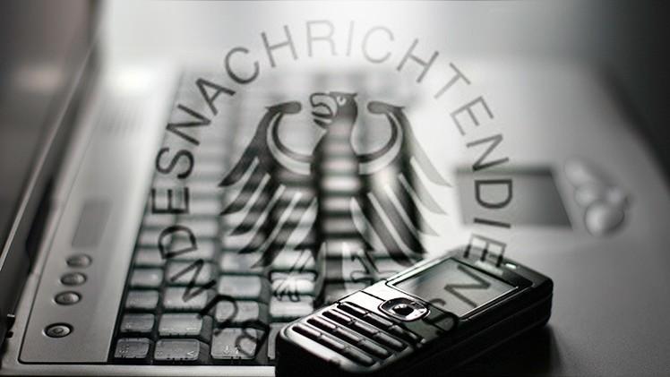 Un doble agente de EE.UU. revela la identidad de miles de espías alemanes en el mundo