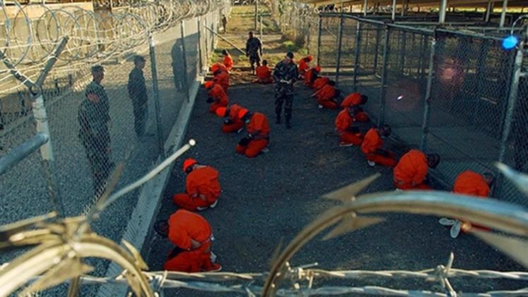 Exguardia de Guantánamo asegura que la CIA mató a prisioneros haciéndolo parecer suicidios