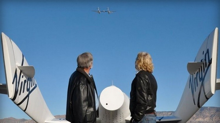 """Richard Branson: """"Lanzaremos miles de satélites de internet en el Espacio"""""""