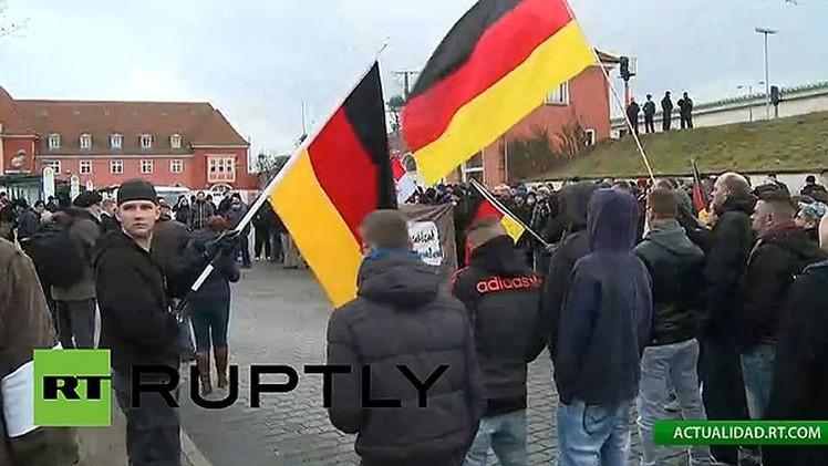 Frankfurt se manifiesta contra la xenofobia