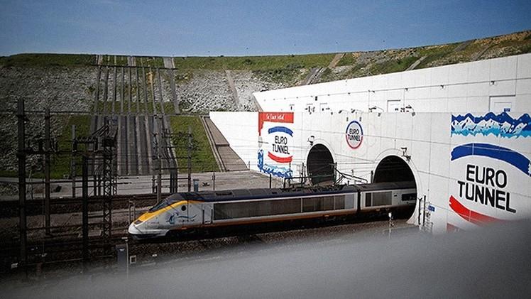 Suspenden el servicio de tren bajo el canal de la Mancha por presencia de humo