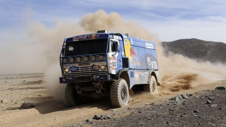 El equipo ruso Kamaz Master gana el Dakar 2015 en camiones