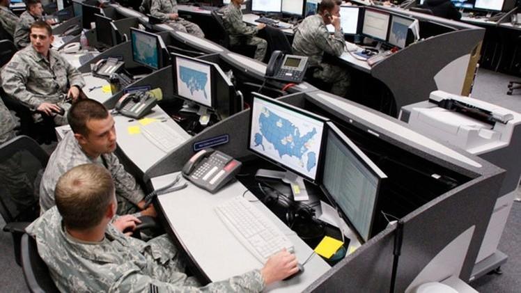 Snowden: La NSA desarrolla armas cibernéticas para una guerra digital