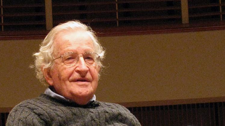 """Chomsky: """"Los ataques de París muestran la hipocresía de la indignación de Occidente"""""""