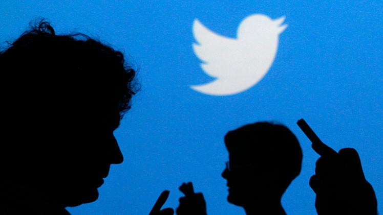 Un limpiabotas español 'regala' cuentas de Twitter a los Gobiernos