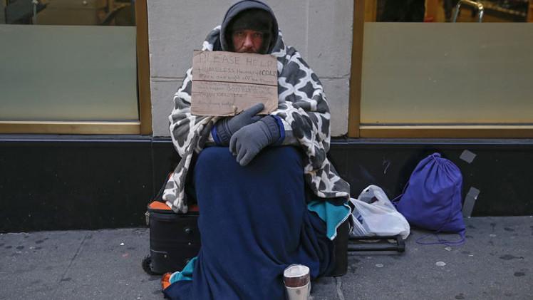 ¿Por qué ser pobre resulta caro en EE.UU.?