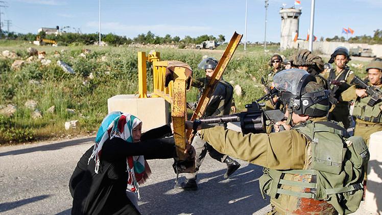 Desmienten que un soldado israelí matara a una anciana palestina tras darle de beber